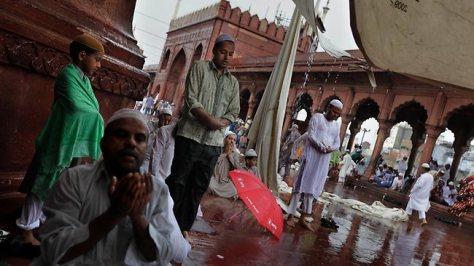 544526-india-rain