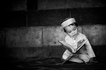 boy-reading-quran
